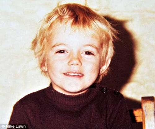 Chris-Hemsworth-childhood.jpg